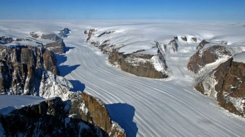 Descubre por qué el hielo de Groenlandia cuadruplica la velocidad a la que desparece en 15 años