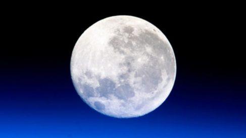 Europa viajará a la Luna en 2025 y enviará astronautas en 2030