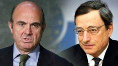 El presidente del BCE, Mario Draghi, y el vicepresidente del BCE, Luis de Guindos