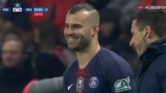 Jesé Rodríguez, antes de entrar al campo en el PSG – Estrasburgo. (Twitter)