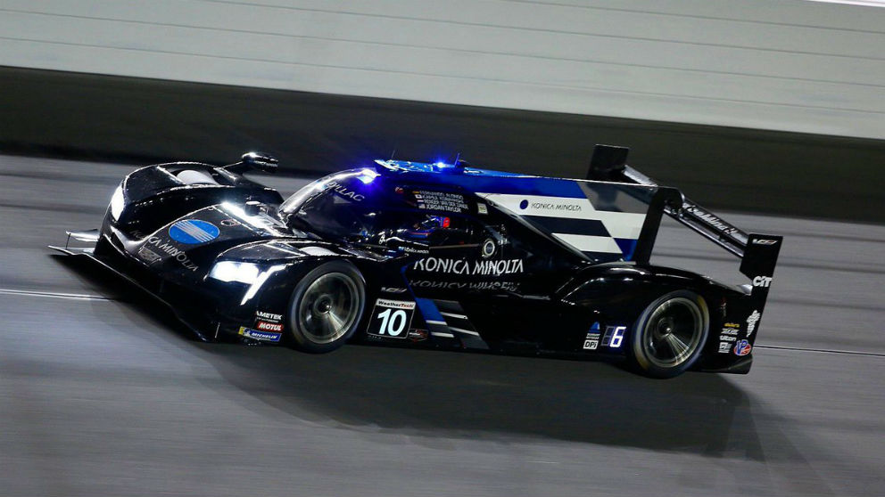 Fernando Alonso rueda en el circuito de Daytona.