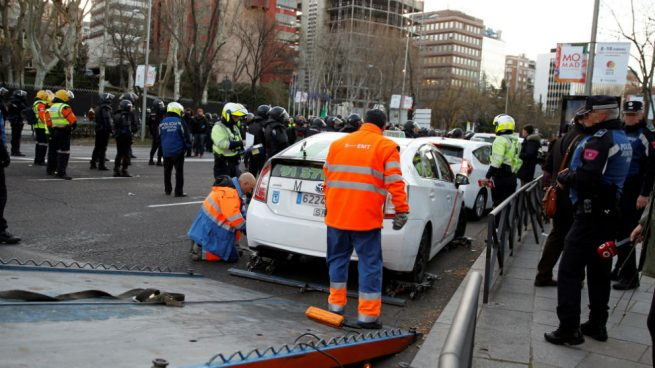 La estrategia con la que el taxi triunfó en Barcelona fracasa en Madrid