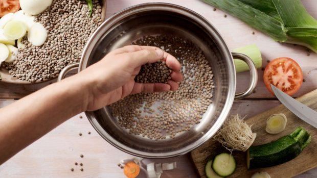sopa de lentejas con pimientos