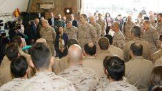 El Rey Felipe VI de visita a las tropas españolas en Irak. Foto: Europa Press