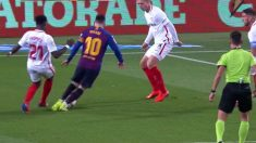 El polémico penalti que se pitó a favor del Barcelona frente al Sevilla.
