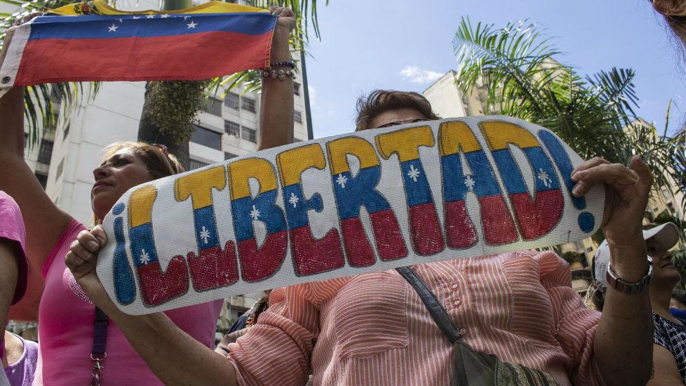 Manifestantes exigen libertad. Foto: Europa Press
