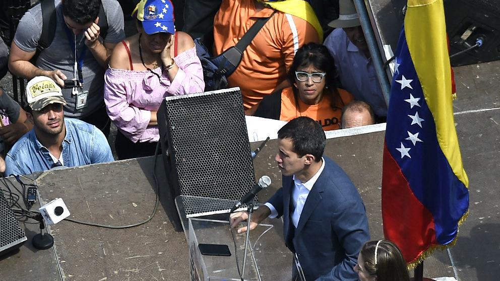 Juan Guaidó durante su discurso de este sábado en la manifestación contra Maduro en Caracas (Foto: AFP).