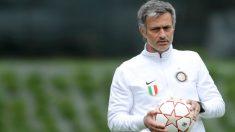 José Mourinho durante un entrenamiento con el Inter. (Getty)