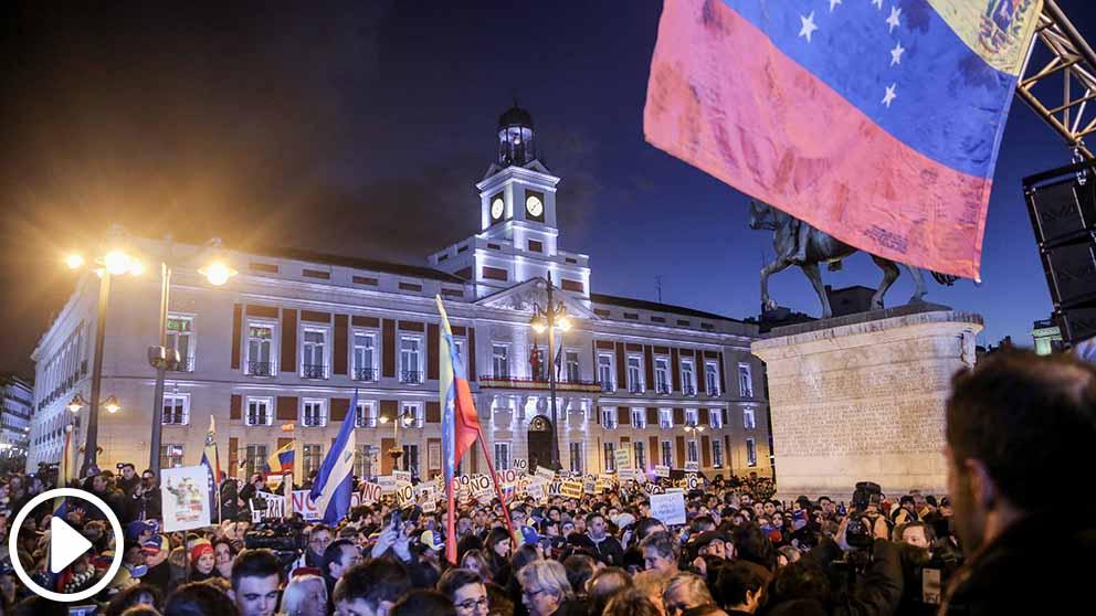 Manifestación en la Puerta del Sol de Madrid para respaldar el apoyo de la Unión Europea a Venezuela y el reconocimiento a Juan Guaidó como presidente