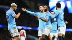 Los jugadores del Manchester City celebran un gol contra el Arsenal. (Getty)