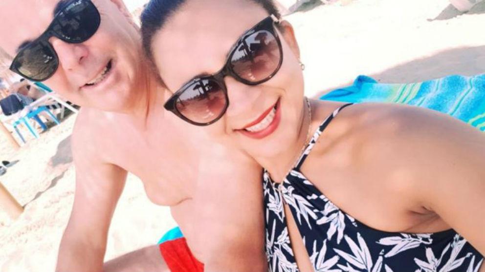 El empresario Gilbert Montané y Aldyceya Santos, la pasada Navidad en Punta Cana.