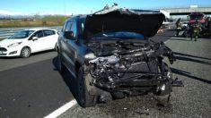 Así quedó el coche de Douglas Costa tras el accidente. (Twitter)