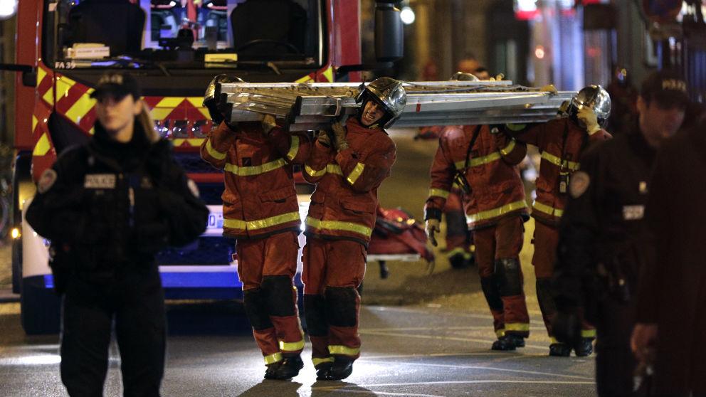 Imagen de archivo de unos bomberos.