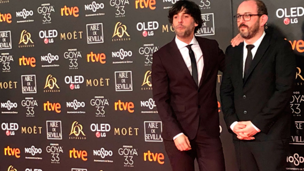 El director Borja Cobeaga en la alfombra roja de la 33ª edición de los premios Goya. Foto: Agencias