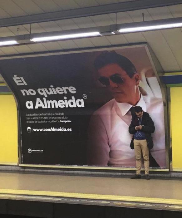 Almeida hace campaña con los políticos que no le quieren: Carmena, Sánchez y el golpista Puigdemont