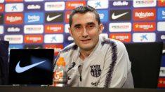 Ernesto Valverde durante una rueda de prensa con el Barcelona. (fcbarcelona.cat)
