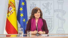 La vicepresidenta del Gobierno, Carmen Calvo, en rueda de prensa en La Moncloa.