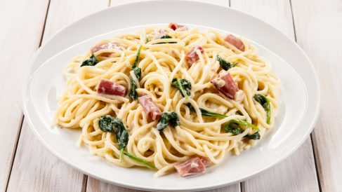Receta de espaguetis la carbonara con espinacas