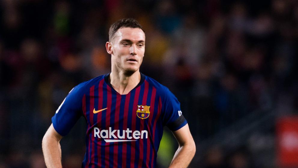 Vermaelen, durante un partido con el Barcelona. (AFP)