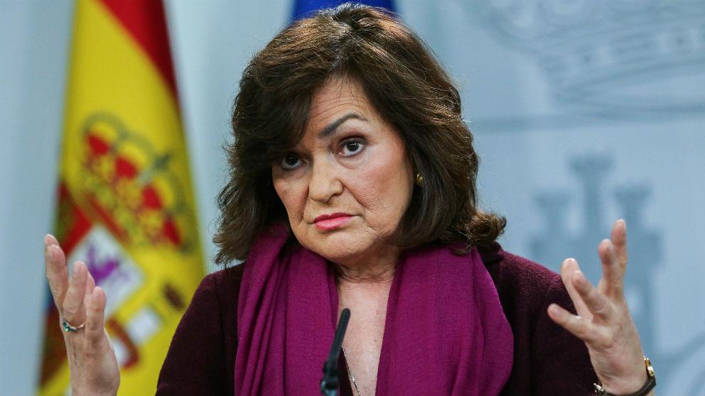 La vicepresidenta del Gobierno, Carmen Calvo, en rueda de prensa en Moncloa. (Foto: EFE)