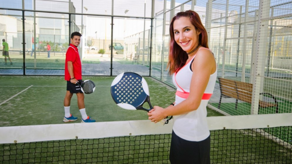 Se podrá jugar al pádel y al tenis en dobles en toda España