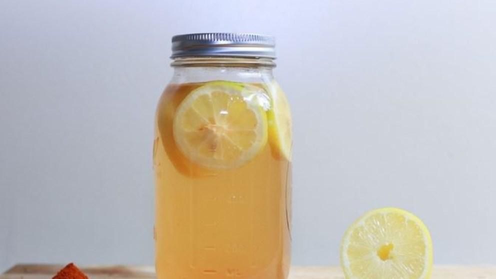 la dieta de la limonada consiste en no ingerir ningún alimento, de modo que sólo se consume esta bebida.