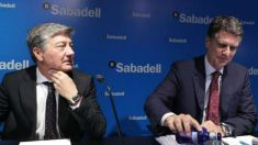 Gabriel Martínez (izda.), junto al consejero delegado Jaime Guardiola