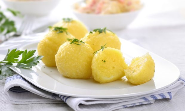 Receta de filetes de lenguado en escabeche con patatas al vapor