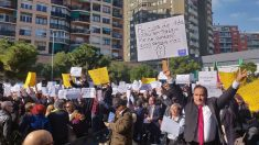 Unos 100 trabajadores de VTC irrumpen en el acto de ERC, Bildu y BNG en Barcelona. Foto: Europa Press