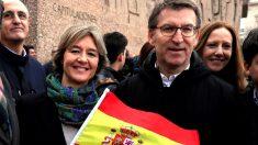Isabel García-Tejerina y Alberto Núñez Feijóo este domingo en Colón (Foto: EFE).