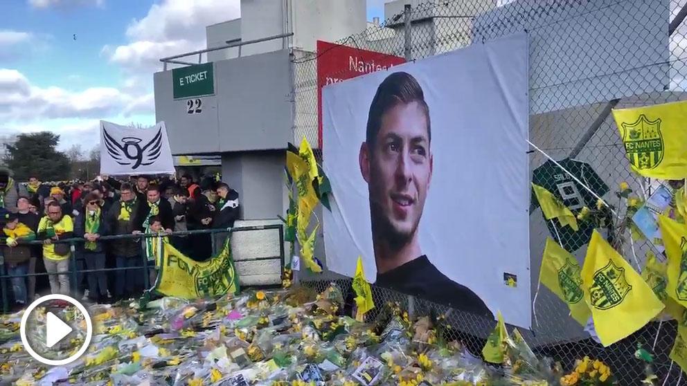 Emiliano Sala, homenajeado por la afición del Nantes.