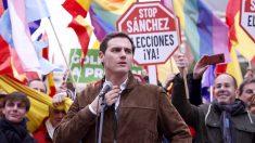 Albert Rivera, en la manifestación contra el Gobierno de Sánchez. (Foto: E.Falcón)