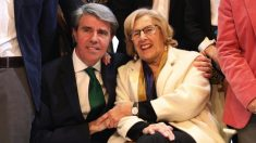 Ángel Garrido junto a Manuela Carmena. (Foto. Madrid)
