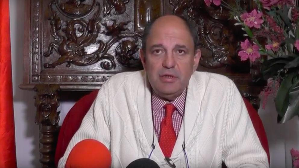 Ángel Vadillo, ex alcalde de Alburquerque, en uno de sus discursos.navideños.