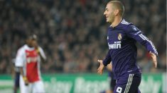 Karim Benzema ha marcado tres goles al Ajax en cinco partidos. (AFP)