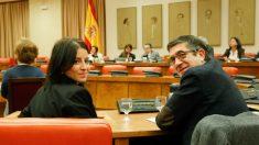 """Adriana Lastra y Patxi López, en la Comisión del Congreso para """"resolver el problema de Cataluña"""". (Foto: PSOE)"""