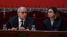 El letrado Xavier Melero (i), abogado de Joaquim Forn, interviene en la primera jornada del juicio del «procés» que tiene lugar este martes en el Tribunal Supremo. Foto: EFE