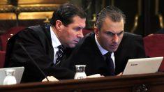 Pedro Fernández y Javier Ortega Smith, de Vox (Foto: EP)