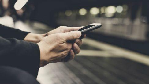 Buscar el amor en Internet (Foto: iStock)
