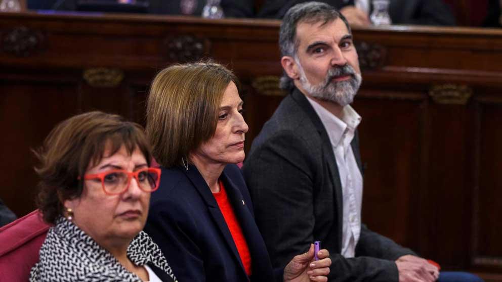 Dolors Bassa, Carme Forcadell y Jordi Cuixart. Foto: EFE