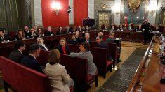 Los doce líderes independentistas acusados por el proceso soberanista catalán que derivó en la celebración del 1-O y la declaración unilateral de independencia de Cataluña (DUI), en el banquillo del Tribunal Supremo al inicio del juicio del «procés