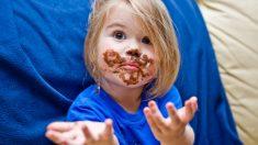Consejos para quitar las manchas de chocolate de la ropa