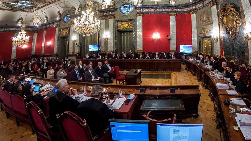 """Vista general de la Sala de Plenos del Tribunal Supremo donde hoy se ha iniciado el juicio del """"procés"""", en el que están acusados doce líderes independentistas, incluido el exvicepresident Oriol Junqueras, por el proceso soberanista catalán que deriv"""