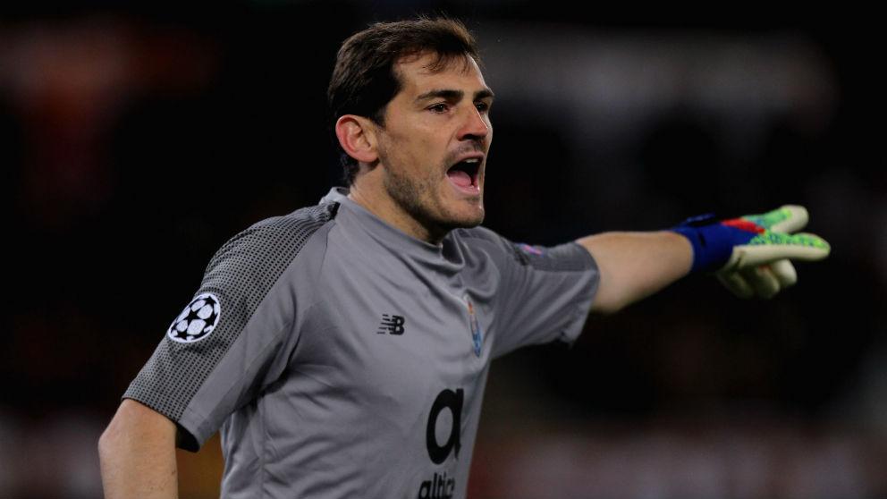 Iker Casillas durante un partido en la Champions League. (Getty)