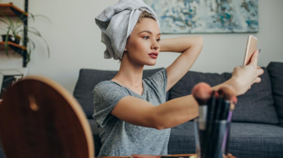 Pasos para maquillar una cara redonda: consejos y trucos de maquillaje