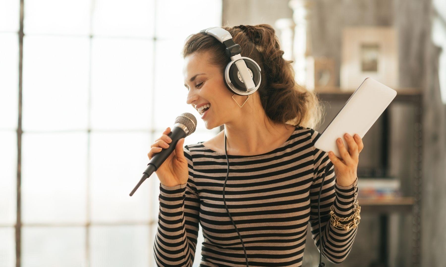 Trucos para afinar la voz para cantar