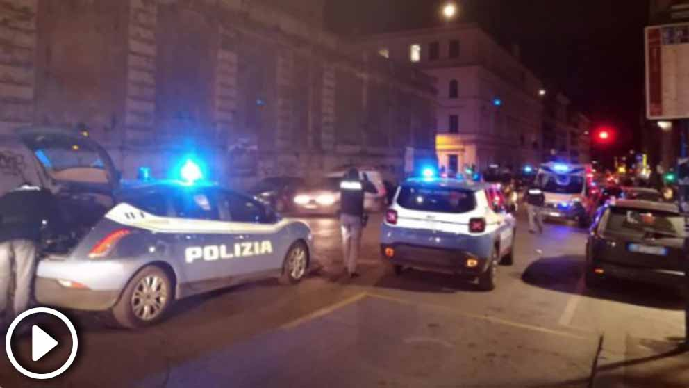 Tres aficionadodelSevilla fueron hospitalizados con heridas de arma blanca tras una pelea con ultras de la Lazio.