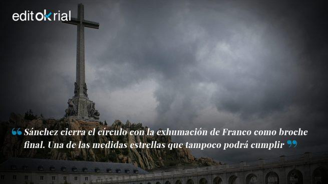 Sánchez termina como empezó: con la farsa de Franco por bandera