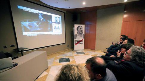 El portavoz de ERC en el Congreso, Joan Tardà (3d); la consejera de Agricultura, Teresa Jordà (4d); el presidente del Parlament, Roger Torrent (5d); el vicepresidente del Govern, Pere Aragonès (6d), el portavoz adjunto de ERC en el Congreso, Gabriel Rufián (8d), entre otras autoridades, siguen en el Hotel Catalonia de Madrid la declaración de Oriol Junqueras. Foto: EFE
