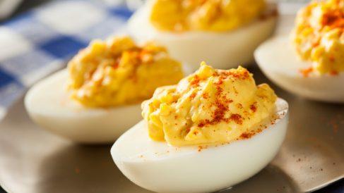 Receta de huevos rellenos con pimentón